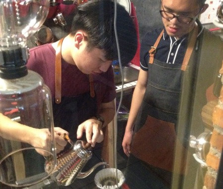 Otniel and Richard interning in one of our pop-up events. They worked together in our manual brew station.